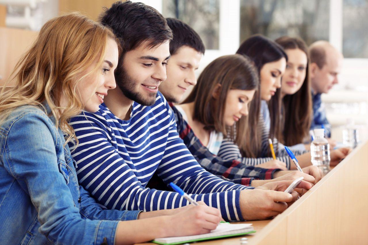 studenti bakalářského studia v Holandsku